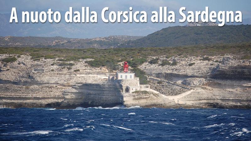 A nuoto dalla Corsica alla Sardegna